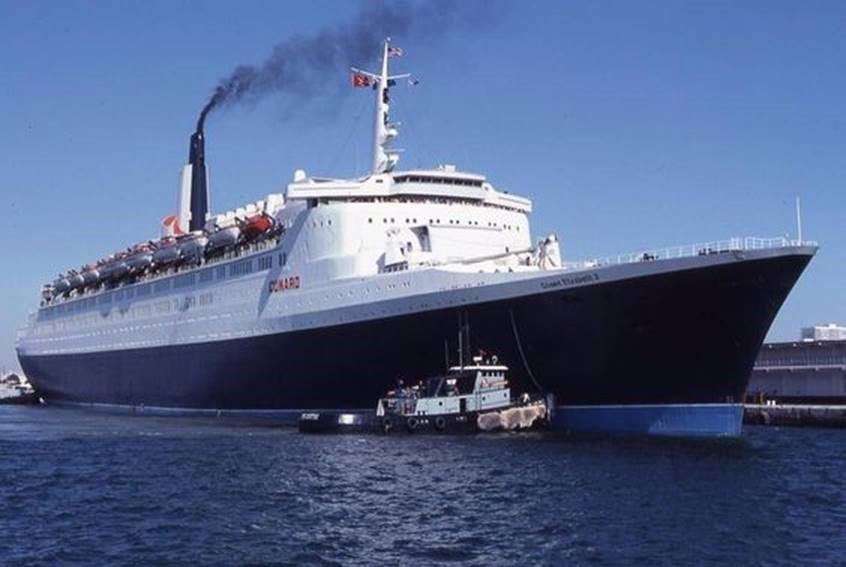 QE2 - Queen Elizabeth 2 ship